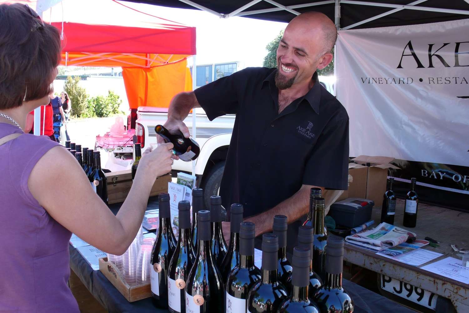 wine-tasting-bay-of-island-farmers-markets.JPG